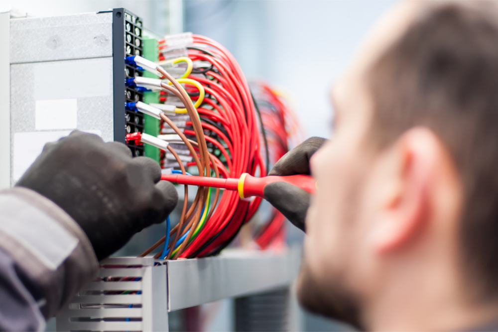 Benefits of Hiring a Professional and Competent Electrical Service - sushihousenmb